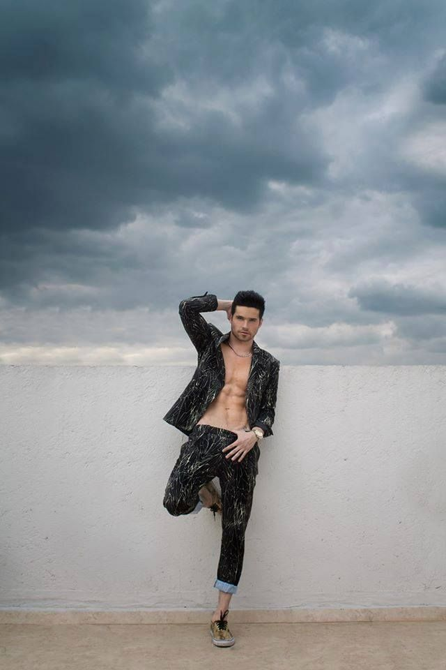 Eleazar Gomez | ELEAZAR Gomez en 2019 | Harem pants, Pants ...