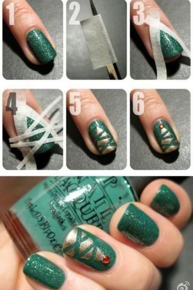 Christmas tree nails!! (: