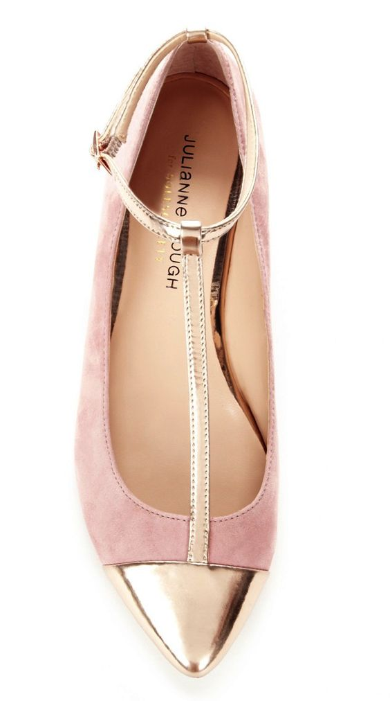 Blush + Gold Ballet Flats. Why not - flats are always pretty and fun when traveling.
