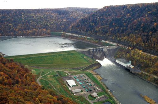 Aerial view of Kinzua Dam and Allegheny Reservoir