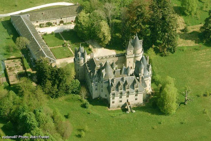 Château de Lambertie. Mialet 24450. Guyenne.