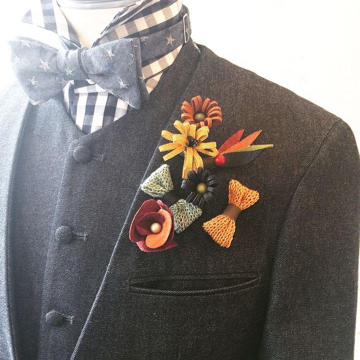 ベーシックなデニム素材に添える華やかなブートにエールならぬオリジナルのラペルピンズ達。  #デニムスーツ#denimsuit
