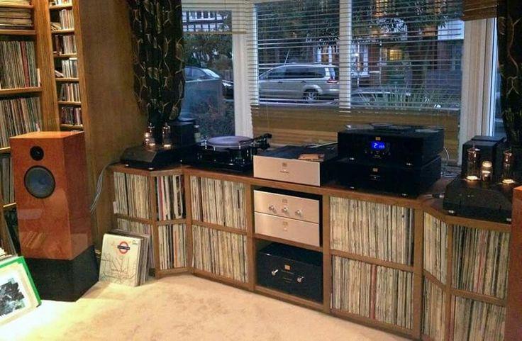 High End Audio Audiophile Music Listening Room Vinyl
