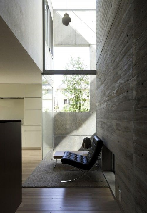 Barcelona Chair by Mies Van Der Rohe :: 1929 at Mita Residence, Tokyo, Japan by YJP Architecture