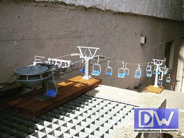 (y) 2er Sesselbahn Bergstation #doppelmayr #modellbau #modellseilbahn #miniature #sesselbahn #warthschröcken #seilbahnblog #seilbahn #seilbahntechnik #3ddruck #3d #seggiovia #telecabine #selfmade #modell <3