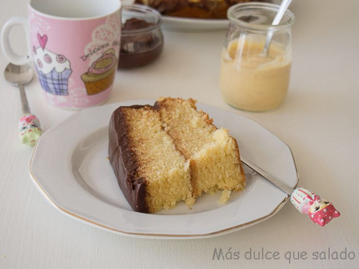 Bizcocho de vainilla relleno de natillas   Cocinar en casa es facilisimo.com