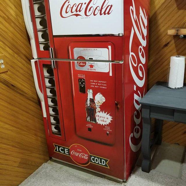 Pin On Coca Cola Machine