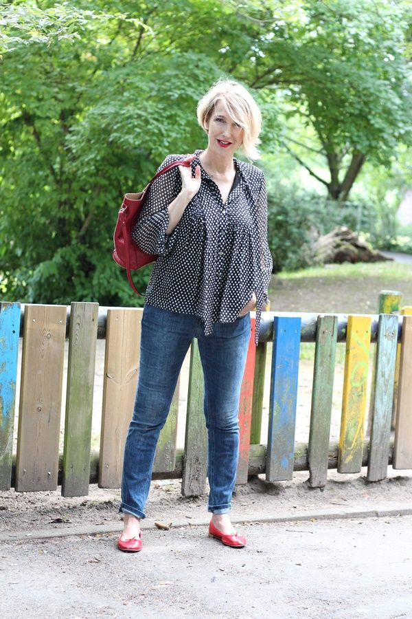 Glam up your Lifestyle - Ü40 + Ü50 Blog für Mode, Lifestyle, Beauty, Fitness und gesunde Ernährung : Gepunktete Schluppenbluse zur Skinny-Jeans