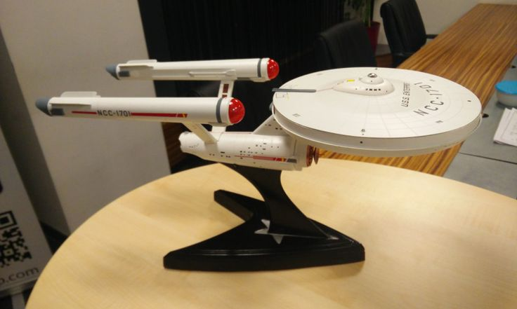 STAR TREK:PRIMER CONTACTO  Blog: Un router Wi-Fi en la nave Enterprise de Star Trek...