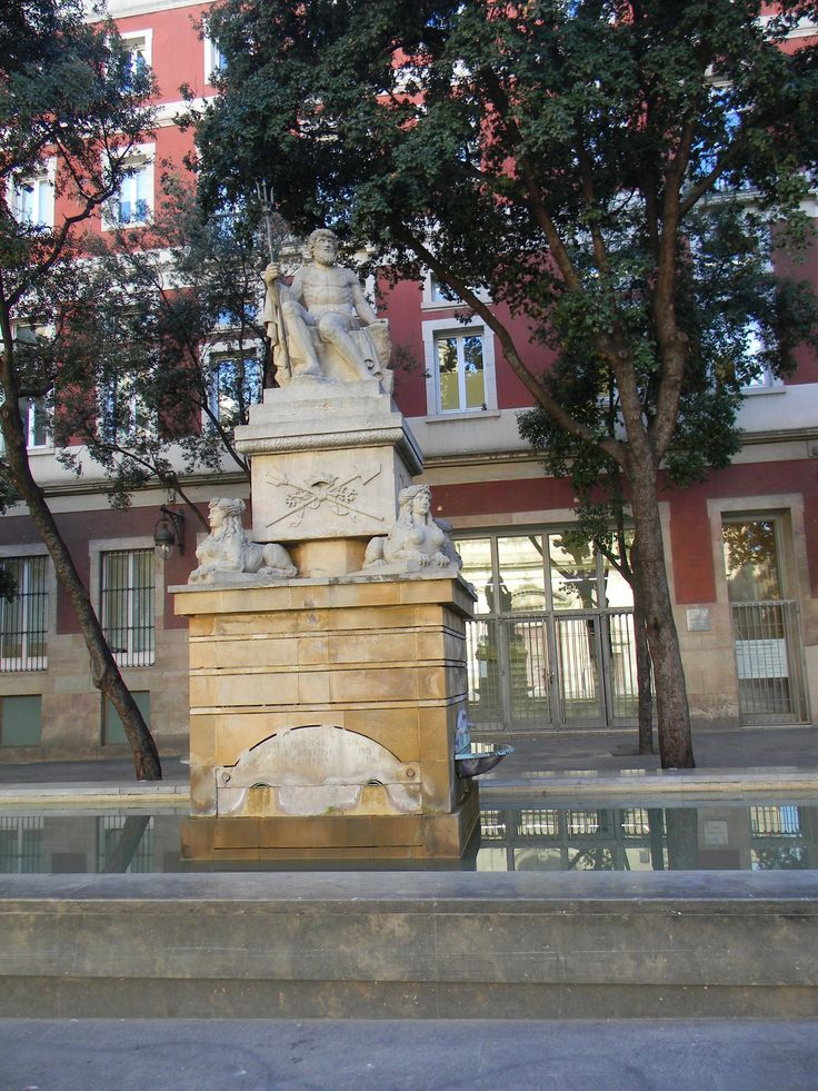 This is the Fountain of Neptune, in Barcelona. It is interesting to see the clear influence of Roman and Greek mythology still playing such an important role in the designs of the city.