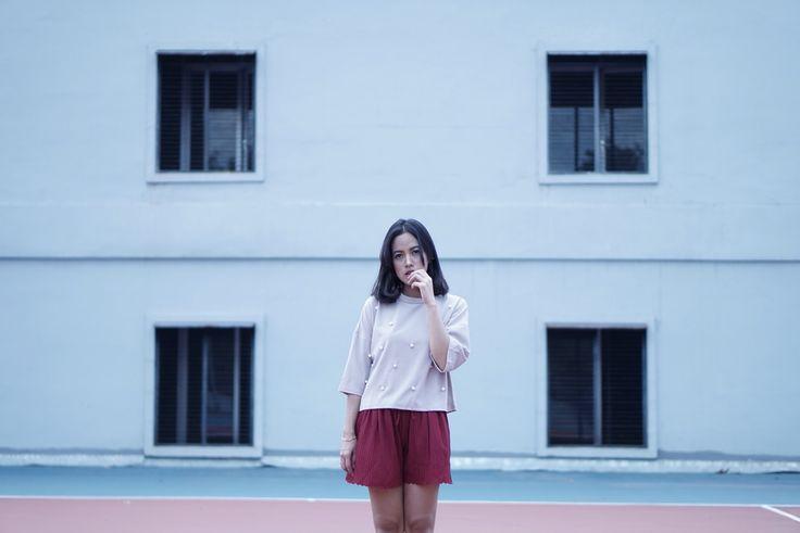 Casual Woman Minimalism