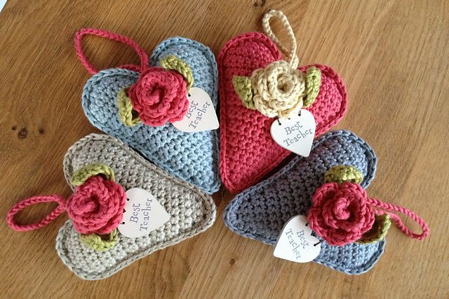 Ravelry: Tweetinat's Rose Heart Hangers