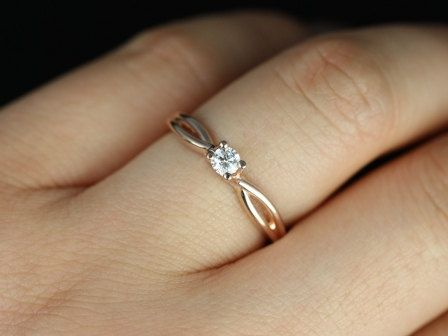 simple but pretty This is my promise ring :)