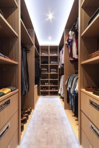 Another walk-in wardrobe designed by one of our designers, this time for a male client in the City.