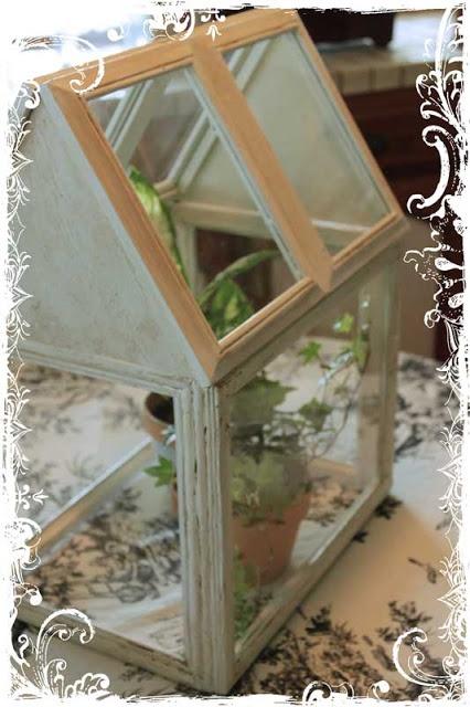 DIY Home Made Terrarium from frames...tutorial /v