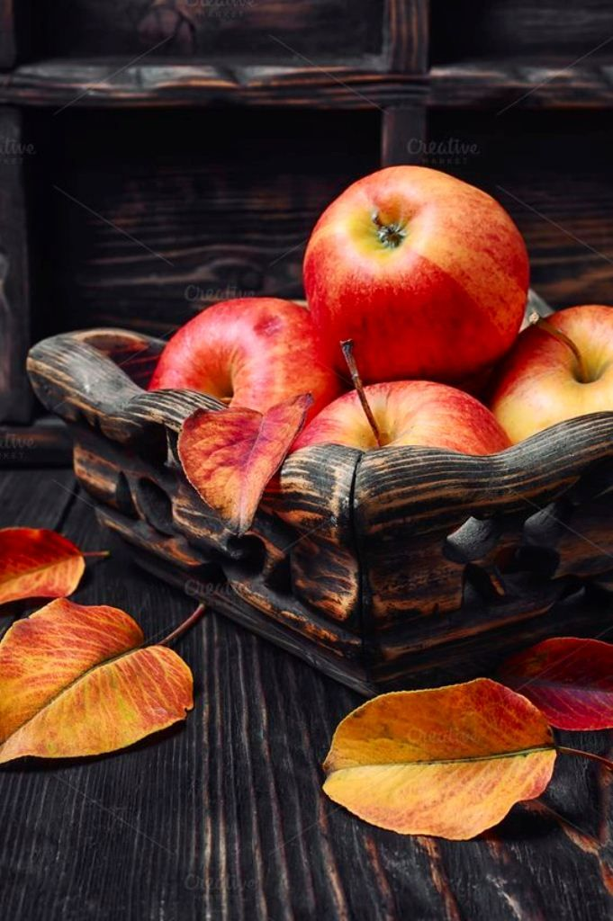 изделия, представленные красивые картинки на телефон осень на доске фото ананасов, сделанных