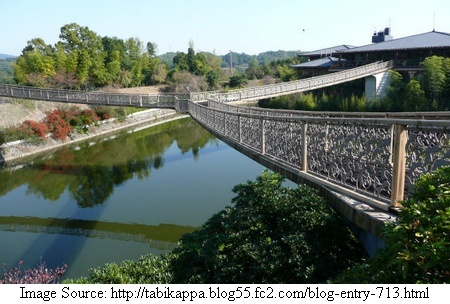 Tri-Bridges Around the World:  Kikko Bridge - Mie, Japan;  a three-way footbridge at a golf club;  built in 1991;  it gives easy access from the club house to the golf courses around a small pond;  original link:  http://tabikappa.blog55.fc2.com/blog-entry-713.html