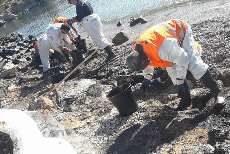 Rotterdam to Help Greece in Oil Spill Clean-up.