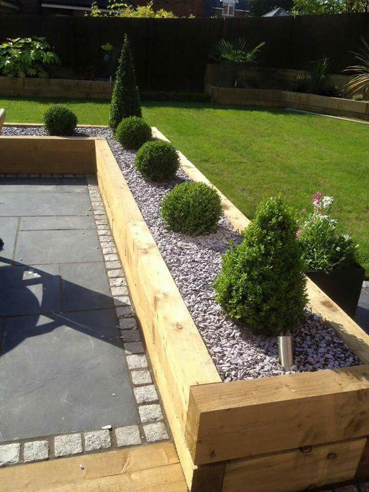 Fantastic Absolutely Free Garden Planters Sleepers Style Pots Tubs And Half Barrels Stuffed In 2021 Backyard Landscaping Designs Outdoor Gardens Design Garden Design