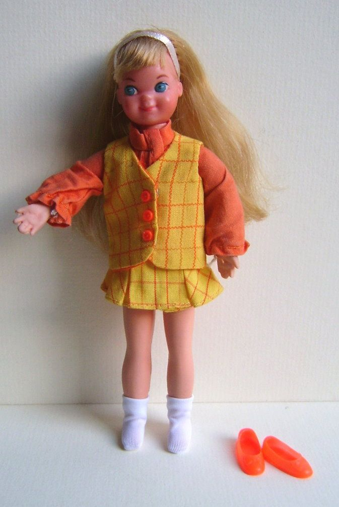 VINTAGE BARBIE SIS TUTTI DOLL W. OUTFIT SONNTAGSAUSFLUG (SUNDAY TRIP) #3388 1971  31.68 + del listed for