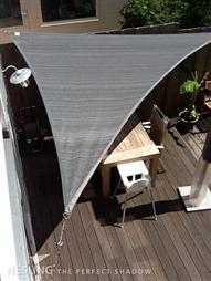 Schaduwdoek als zonnescherm www.DeTuinwebshop.nl