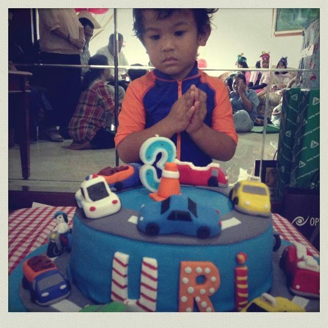 Happy 3rd birthday, Uri..