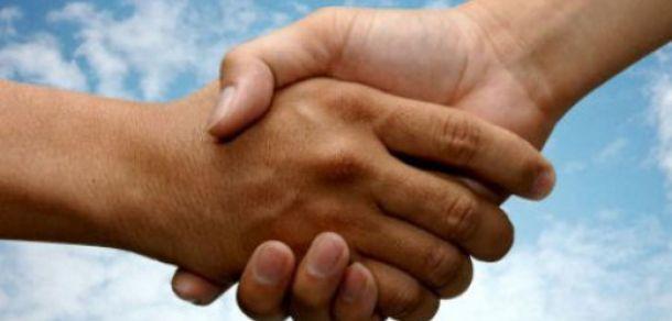 Турецкий и армянский актеры установили мировой рекорд по продолжительности рукопожатия http://kavkaz.co/1385