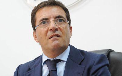 La Mafia  é anche nella tua citta       *       Die Mafia ist auch in deiner Stadt  : Italienischer Staatssekretär wegen Mafia-Verbindun...