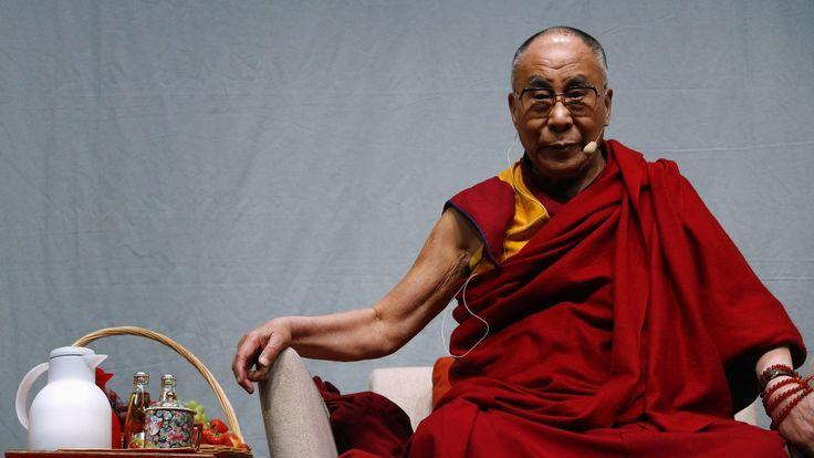 Это введение в тибетский буддизм адресовано начинающим. Первая половина его — это переработанный вариант приложения «Очерк буддизма в Тибете» к моей книге «Моя страна и мой народ&#18…