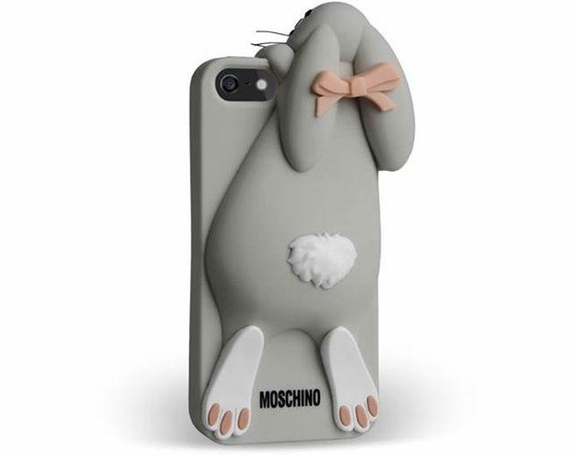 Moschino iPhone & iPad Case Collection: After much success with integrating pop-culture influences with surprising designs, Designer Jeremy Scott has now released a plethora of technology accessories emblazoned with familiar food iconography and cartoon inspired images.