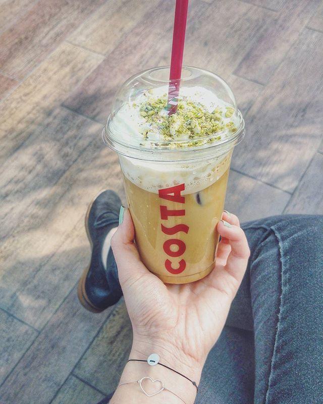 Yummy 😛 #pistachiolatte #mircjewellery #mymirc #girlpower #lovethem #silverjewelry #handmadejewelry #hungarianbrand #costacoffee #coffeegram #instacoffee #coffeaddiction #coffeelovers #dailycoffee #mintgreennails #sospring