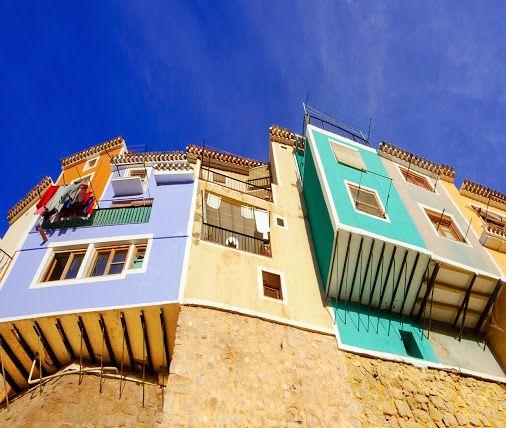 Villajoyosa hanghuisjes. Uniek dorpje aan de Costa Blanca