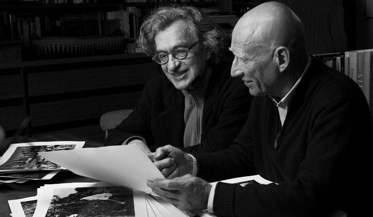 死や内戦などのテーマを扱ってきた世界的な報道写真家、セバスチャン・サルガドの人生をたどるドキュメンタリー『セバスチャン・サルガド/地球へのラブレター』。これまで名作を数多く送り出してきたヴィム・ヴェンダース監督と、サルガドの息子であるジュリ