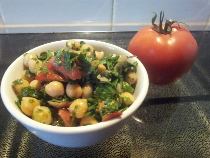 Naturally Kenko: Chickpea and Spinach Salad