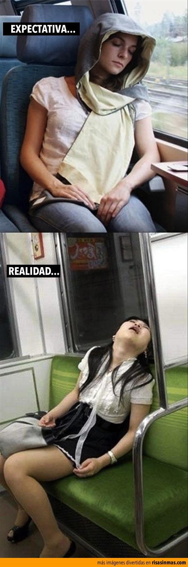 Expecativa vs Realidad: durmiendo en el tren.