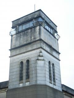 prison-tower_19-100570.jpg (240×320)
