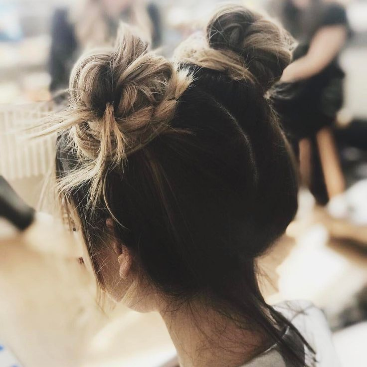 "446.3 k mentions J'aime, 838 commentaires - Zoella (@zoella) sur Instagram : ""Space buns are always a good idea """