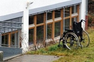 Man sentenced to paralysis.  Wish that's how it worked in the U.S. although I'm sure Hughie & his wife couldn't handle it..