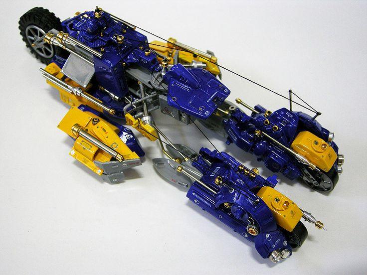 R.D.M-004b ROAD RUNNER II 분해, 해체, 재정립의 3원칙을 세우고 풀스크래치 빌드 했습니다. 로마 전차 경주, F1 머신, 달구지 컨셉입니다.  출처: 프라모델 튜닝타임즈 (  http://cafe.daum.net/tuning/KeiI/10 )