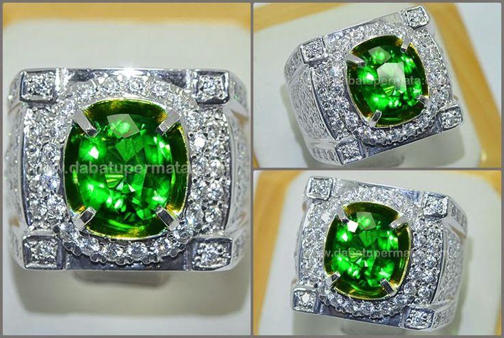 Sparkling Hot Green TSAVORITE GARNET Crystal - RGR 007