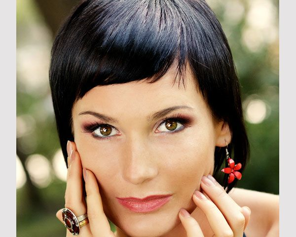 Short Hairstyles With Bangs: 40 Wonderful Short Bob Hairstyles - SloDive