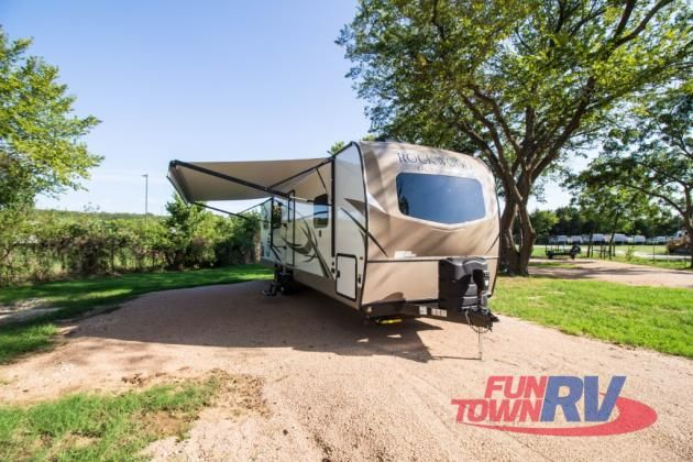 New 2019 Forest River Rv Rockwood Ultra Lite 2902ws Travel Trailer
