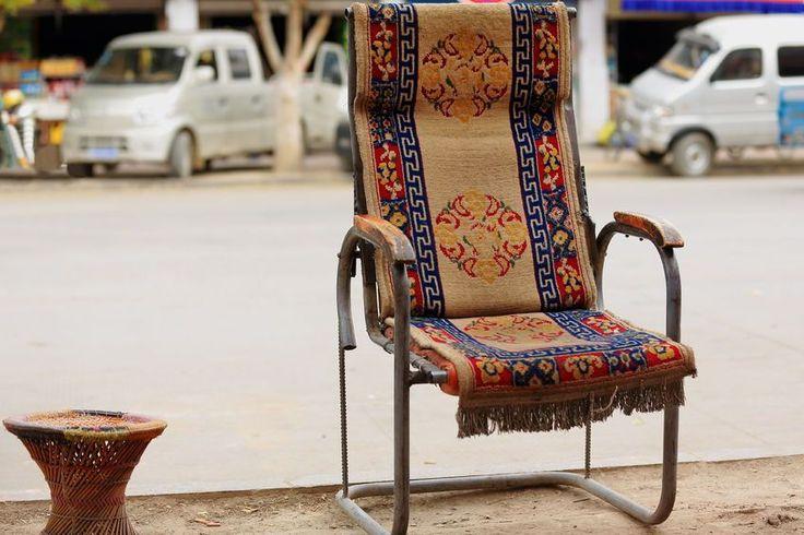 Stary fotel - nowe życie. #design #urządzanie #urząrzaniewnętrz #urządzaniewnętrza #inspiracja #inspiracje #dekoracja #dekoracje #dom #mieszkanie #pokój #aranżacje #aranżacja #aranżacjewnętrz #aranżacjawnętrz #aranżowanie #aranżowaniewnętrz #ozdoby #fotel #krzesło