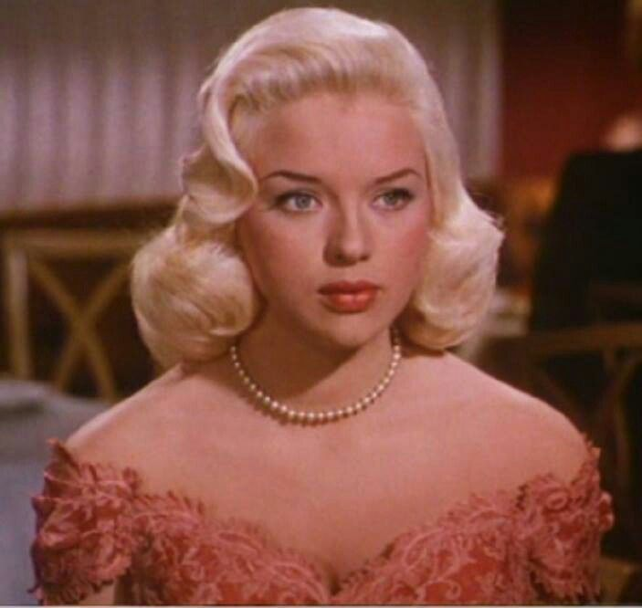 Todays Hair & make up inspiration, Diana Dors. She was beautiful right?