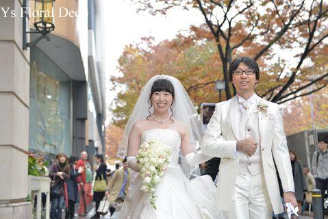 カップ咲バラのキャスケードブーケ ys floral deco @アニヴェルセル表参道