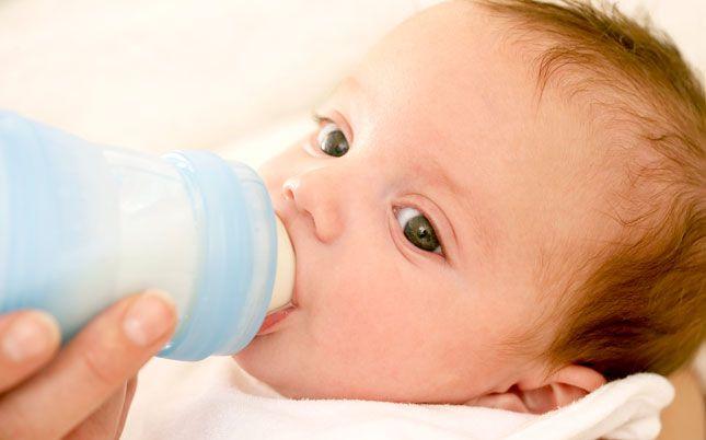 L'allaitement mixte consiste à allaiter son enfant mais aussi à lui donner le biberon (de lait maternel ou artificiel). Comment procéder ? Voici, avec l'aide de Sabrina, notre sage-femme, quelques conseils pour associer biberon et sein avec brio. Le bon timing, c'est la clé du succès ! Si tu souhaites mettre en place un allaitement…