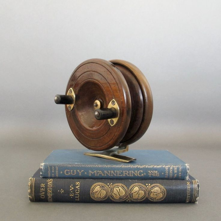 Vintage wooden fishing reel english nottingham style for Vintage fishing reels