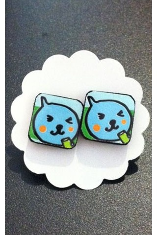 Remember the Qoo White Grape drink? Now you can wear it! This adorable ear studs are only usd $5! Buy it now at http://mall.liveitgorgeous.com/qoo-white-grape-square-studs-by-cans-can-be-beautiful.html