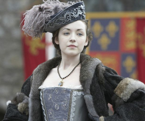 "Irish actress Sarah Bolger demonstrates her love of historic roles as Henry VIII's daughter Mary Tudor in ""The Tudors"" and in ""The Spiderwick Chronicles"" and the TV series ""Once Upon a Time.""  8 Actresses Who Are Stuck in the Past"