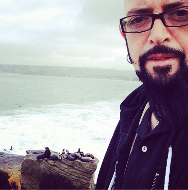 17 best images about jackson galaxy on pinterest cat for Jackson galaxy music